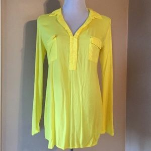 SPLENDID Yellow Henley V-neck Tunic Sz L NWT!